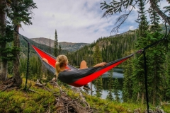 Top-10-Best-Backpacking-Hammocks-1024x680